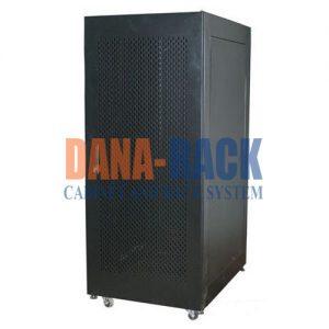 """Tủ mạng,Tủ Rack SYSTEM CABINET 20U-D800 - Dan Rack 20U800 - Mã sản phẩm: DANA RACK 20U800 - Kích thước thực: (HxWxDH1000xW590xD800mm - Kiểu dáng: 4 bánh xe và chân tăng - Hệ thống cửa trước: Lưới / Mica - Phụ kiện: 2 x Fan 220v; Ổ điện 06 chấu chuẩn Đa dụng. - Màu sắc: Đen / Trắng -Tiêu chuẩn : Tương thích các thiết bị tiêu chuẩn 19"""" EIA-310D"""